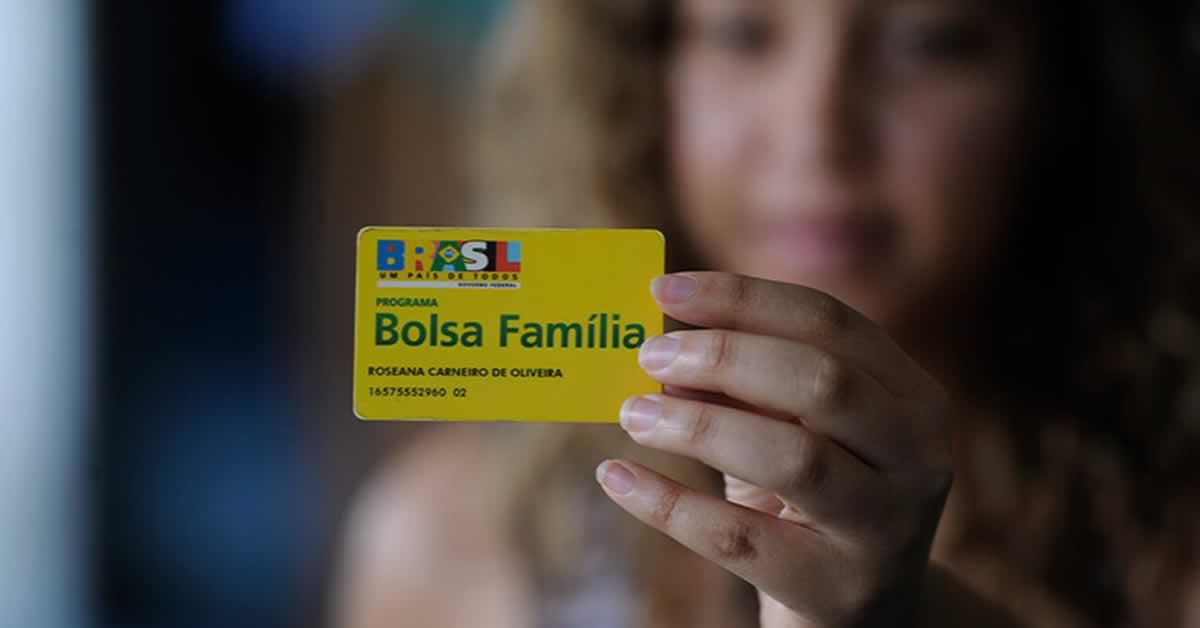 Bolsa Família: governo avalia com Pacheco PEC que destrava novo valor de R$ 400