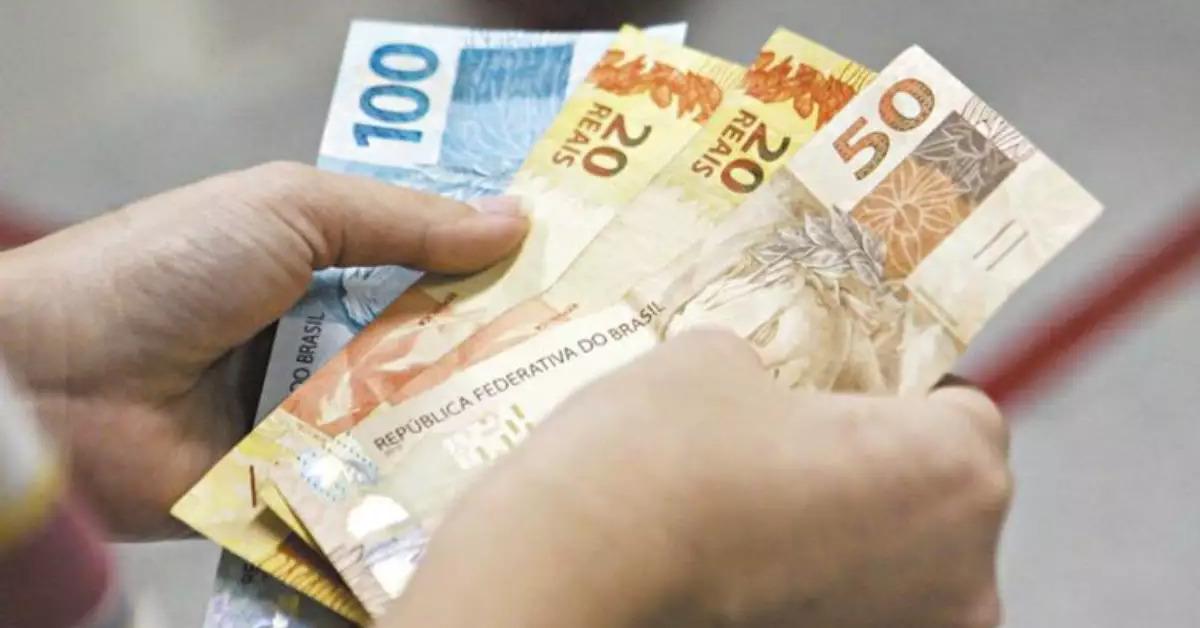 Proposta do governo para salário mínimo de 2022 é de R$ 1.147
