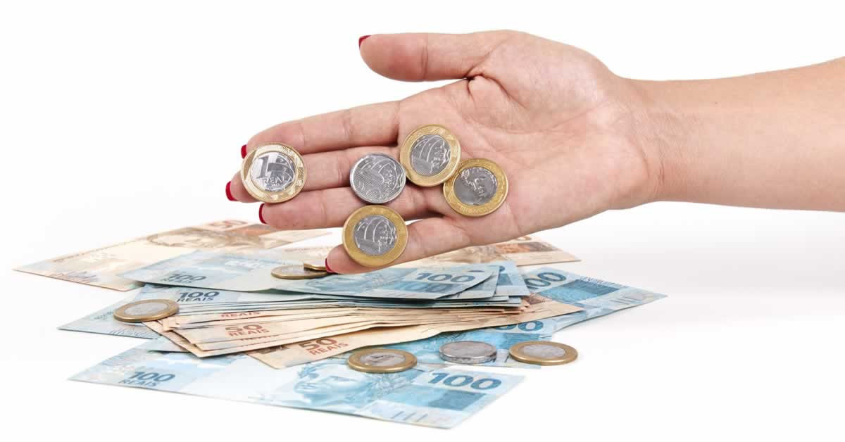 Governo estuda prorrogar redução do IOF crédito