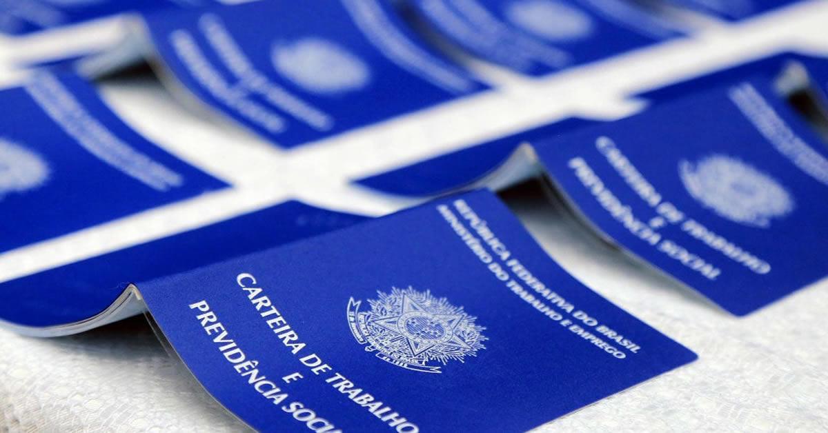 Número de carteiras registradas em 2020 é o menor desde 2012, diz IBGE