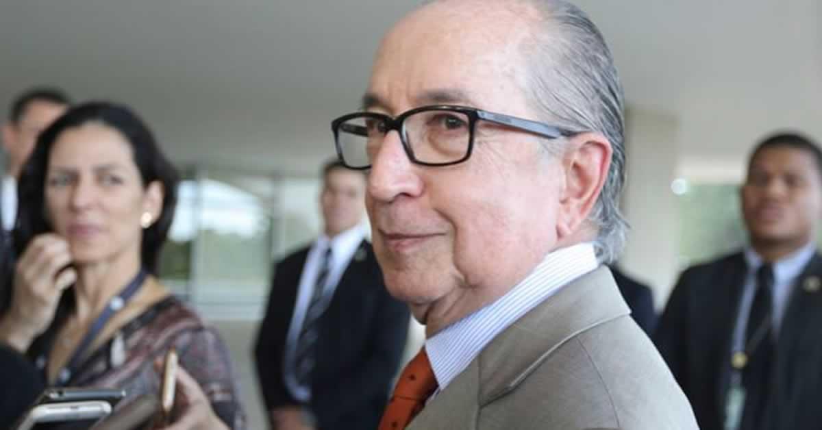 Baixar Imposto de Renda de empresa não é mais tendência, diz Marcos Cintra